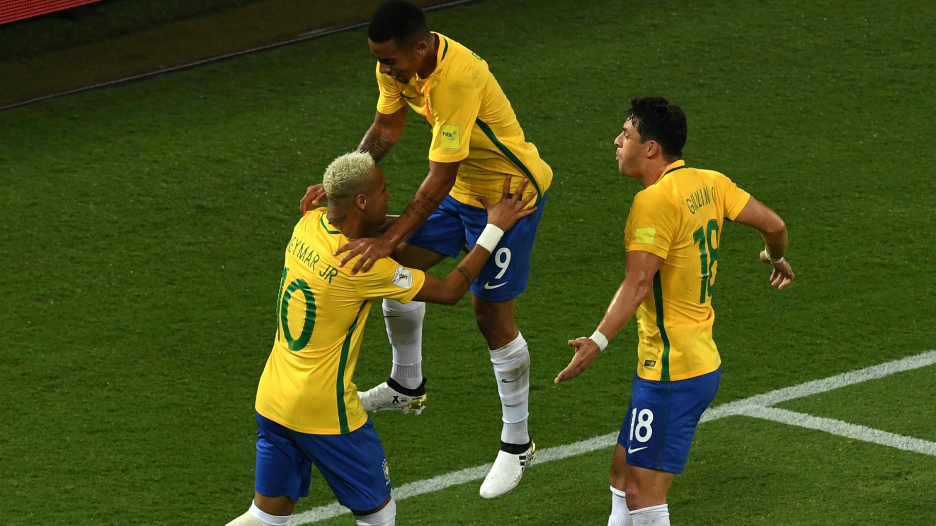 neymar-jesus-giuliano-brasil-x-bolivia-061016_16xkmz9z5jem11xgzvuzp4b01v