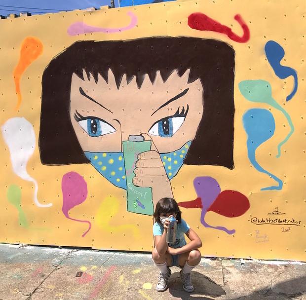 """Spray Girl"" – Bushwick, Brooklyn (2017, 8 anos) - Follow the Colours"